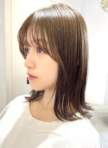 外ハネ ロブ ミディアム(髪型ミディアム)
