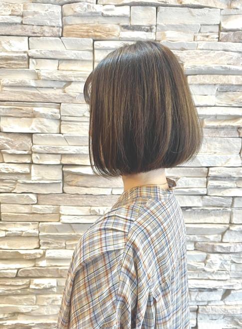 白髪ぼかしハイライトボブ40代50代(ビューティーナビ)