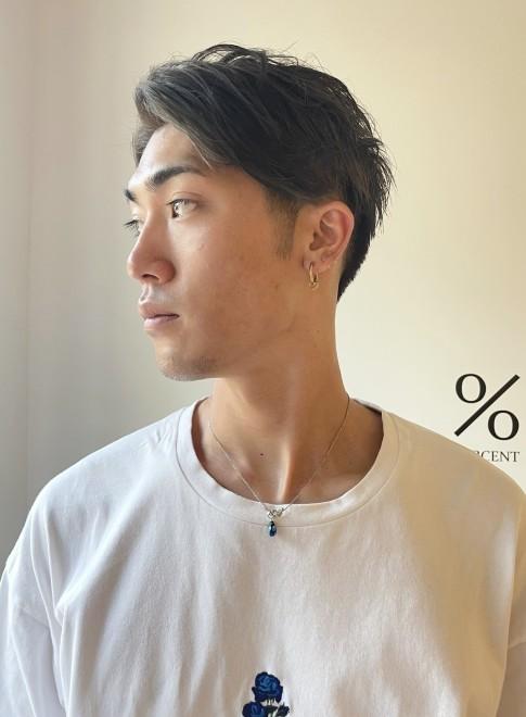 メンズ前髪長めのツーブロックヘアスタイル(ビューティーナビ)