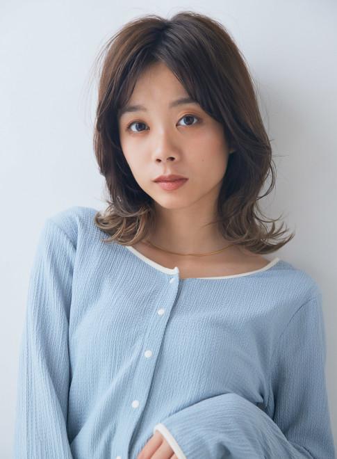 大人かわいい韓国風スタイル(ビューティーナビ)