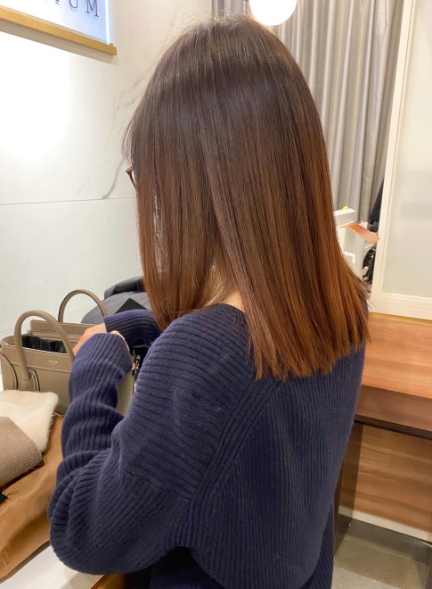 髪質改善で艶髪大人ミディアムヘアー(ビューティーナビ)