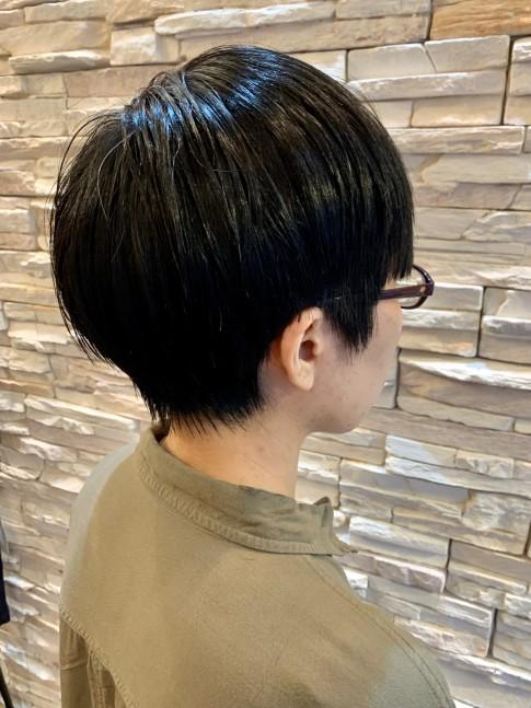 ショートヘア 前髪あり ふんわり&くびれ(ビューティーナビ)