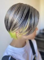 フレーミングカラーのショートボブ(髪型ショートヘア)