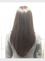 イルミナ アッシュ(髪型ロング)