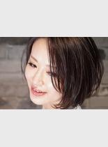 ウェットショートレイヤー(髪型ショートヘア)