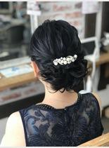 トップルーズシニヨン(髪型セミロング)
