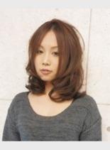 エアリーセミロング(髪型ミディアム)