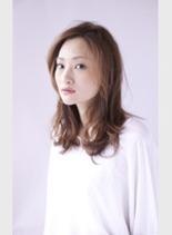 (髪型ミディアム)