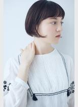 バング短めボブ(髪型ショートヘア)