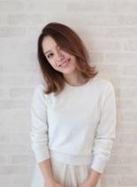 肩ハネロブヘア(髪型ミディアム)