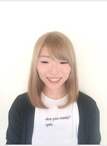 つやつやベージュ(髪型ミディアム)