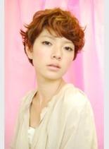 カーリーショート(髪型ショートヘア)