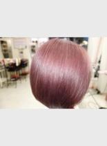個性的なヘアカラーでUP(髪型ショートヘア)
