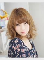 ふんわりパーマ(髪型ミディアム)