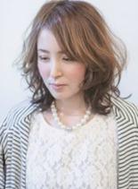 ブルブミディアムスタイル(髪型ミディアム)
