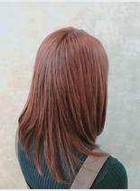 春色ピンクカラー(髪型セミロング)