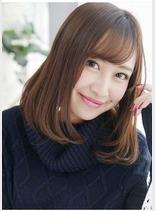 ナチュラルセミディ(髪型ミディアム)