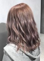 可愛いピンクベージュ(髪型セミロング)