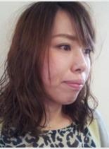 くせ毛風パーマスタイル(髪型ミディアム)