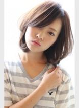 カジュアルフェミニン(髪型ボブ)