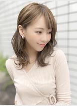 小顔前髪×外ハネ(髪型ミディアム)