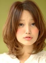『柔らかい質感のシフォンカール』(髪型ミディアム)