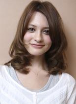 リラックスミディ(髪型ミディアム)