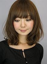 ゆるフワパーマのローレイヤーボブ(髪型ミディアム)
